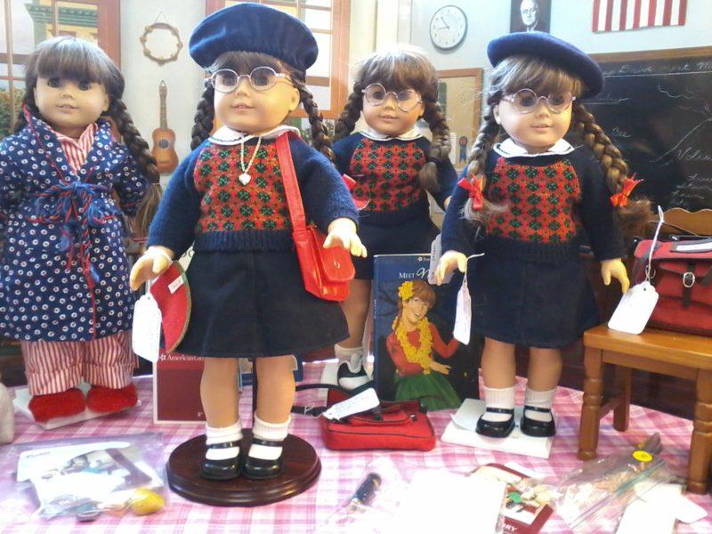 4 Molly dolls