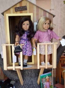 Kit and Ruthie in treehouse