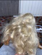 Caroline with frizzy hair